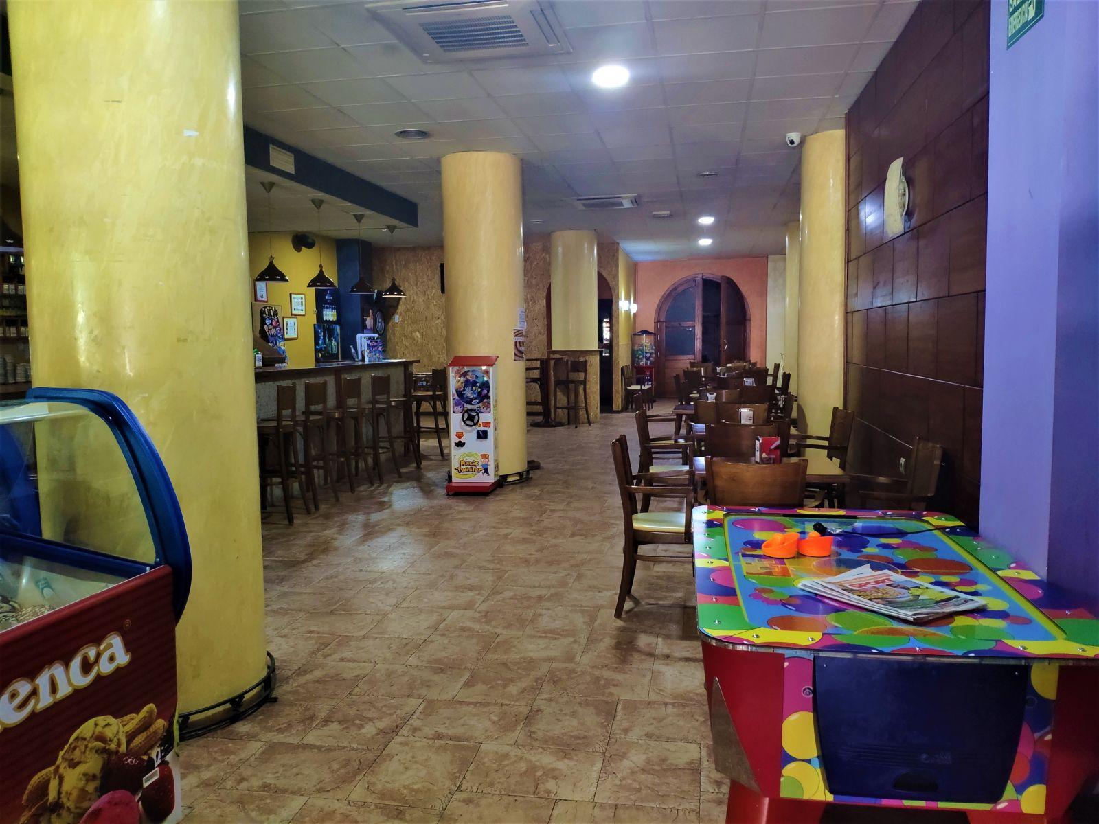 Local comercial ATENEO